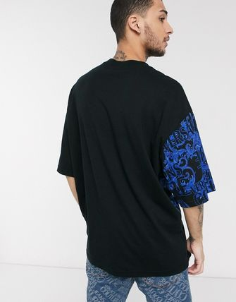 VERSACE JEANS トップスその他 Versace Jeans Couture oversized t-shirt with baroque print(2)