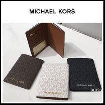 【Michael Kors】JET SET TRAVEL パスポートケース