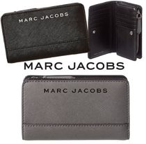 SALE! Marc Jacobs ロゴ コンパクト 2つ折り財布 ユニセックス