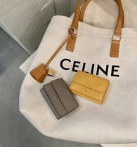 送料込【CELINE】FOLDED COMPACT WALLET IN GRAINED CALFSKIN