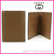 Gucci★素敵!Light Brown Leather Micro GG Passport Holder