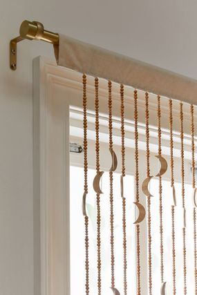 Urban Outfitters カーテン オシャレ雑貨☆URBAN OUTFITTERS☆Crescent Beaded Curtain(2)