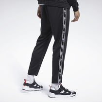 [ Reebok ] Unisex Classic Vector Tape Track Pants (Black)