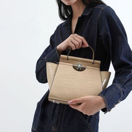 Charles&Keith ハンドバッグ ★Charles&Keith★ Croc-Effect Trapeze Bag★(7)
