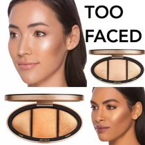 【TOO FACED】Turn Up the Light Highlighting Palette