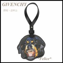 *GIVENCHY*ドッグ キーホルダー バッグチャーム 関税/送料込