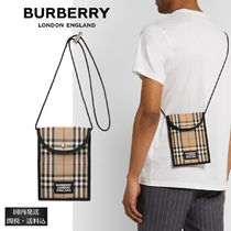 BURBERRY ロゴ アップリケ チェック キャンバスポーチ 人気