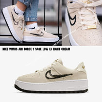 NIKE★WMNS AIR FORCE 1 SAGE LOW LX★LIGHT CREAM★スウェード