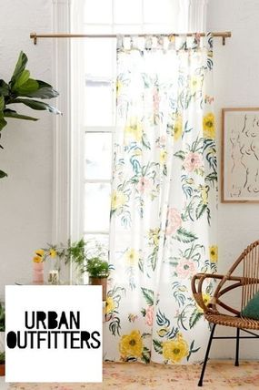 Urban Outfitters カーテン 【UrbanOutifitters】カラフル花柄Tropical Floral Window Panel