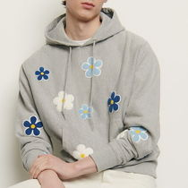 """sandro(サンドロ) パーカー・フーディ """"sandro homme"""" HOODIE WITH EMBROIDERED PATCH GRAY"""