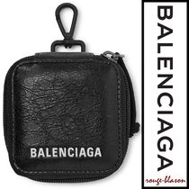 【国内発送】Balenciaga ポーチ Arena Logo Creased-Leather