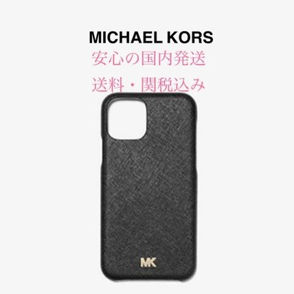 Michael Kors スマホケース・テックアクセサリー *国内発送* MK Saffiano Leather Phone Cover for iPhone 11