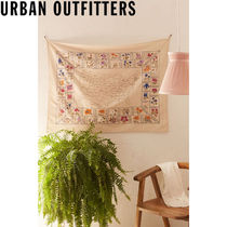 Urban Outfitters  State Flower Embroidered タペストリー