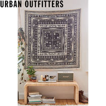 Urban Outfitters  Sonja Celestial Woodblock タペストリー