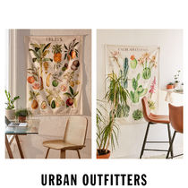 Urban Outfitters  Illustrative Reference Chart タペストリー