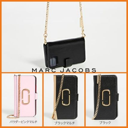MARC JACOBS スマホケース・テックアクセサリー The Marc Jacobs【関税込み】3色★iPhone 11プロケース c425
