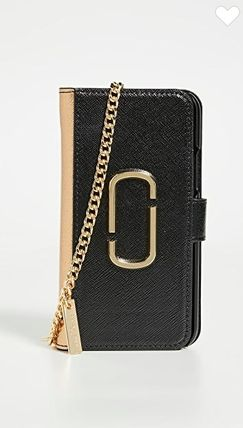 MARC JACOBS スマホケース・テックアクセサリー The Marc Jacobs【関税込み】3色★iPhone 11プロケース c425(10)