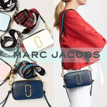 【MARC JACOBS】 SNAPSHOT LOGO STRAP SMALL CAMERA BAG