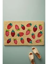 【Anthropologie】いちご柄の玄関マットStrawberry Doormat