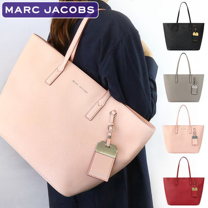 MARC JACOBS(マークジェイコブス) トートバッグ 【即発】 MARC JACOBSトートバッグ M0014110 A4対応