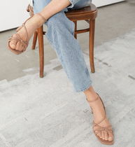 "& Other Stories(アンドアザーストーリーズ) サンダル・ミュール ""& Other Stories"" Strappy Leather Heeled Sandals Beige"