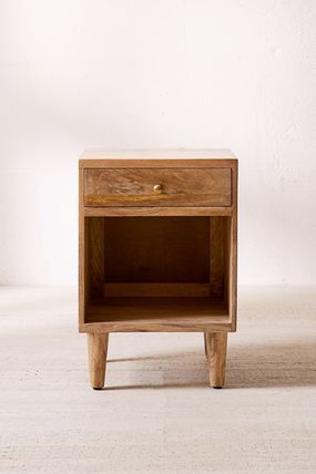 Urban Outfitters 棚・ラック・収納 全3色★ Urban Outfitters  Amelia Nightstand ナイトスタンド(3)