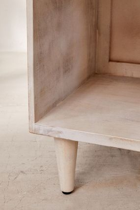 Urban Outfitters 棚・ラック・収納 全3色★ Urban Outfitters  Amelia Nightstand ナイトスタンド(15)