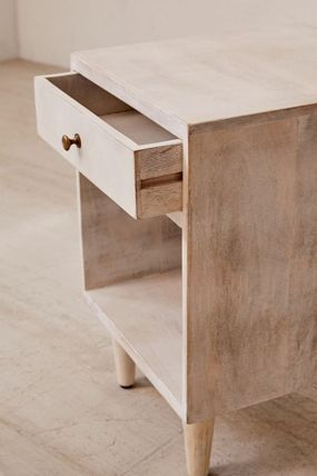Urban Outfitters 棚・ラック・収納 全3色★ Urban Outfitters  Amelia Nightstand ナイトスタンド(17)