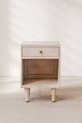 Urban Outfitters 棚・ラック・収納 全3色★ Urban Outfitters  Amelia Nightstand ナイトスタンド(18)