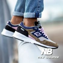 【New Balance】Made in UK 1530 Soft Haze スニーカー