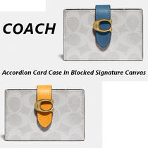 【COACH】Accordion Card Case In Blocked Signature Canvas