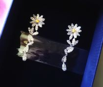 SWAROVSKI ETERNAL FLOWER ピアス