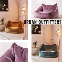 Urban Outfitters Cooper Lounge Chair ベロア クッション 全3色