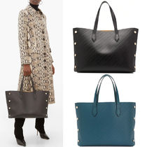 G667 MEDIUM BOND SHOPPER IN GIVENCHY CHAIN EMBOSSED LEATHER