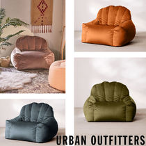 Urban Outfitters  Holly Lounge Chair ベロア クッション 全4色
