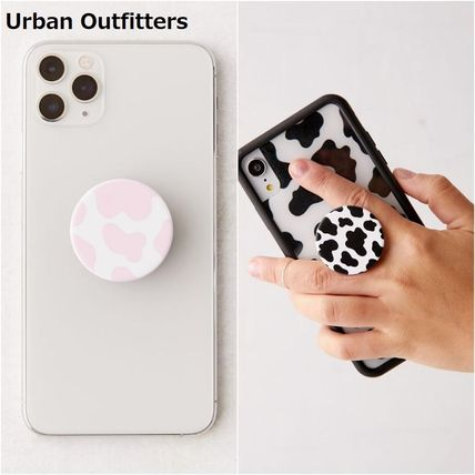 Urban Outfitters スマホケース・テックアクセサリー 国内発送☆【Urban Outfitters】牛柄 スマホ グリップ スタンド