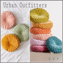 Urban Outfitters(アーバンアウトフィッターズ) クッション・クッションカバー 日本未入荷☆Urban Outfitters☆ 丸型 可愛い クッション/関送込