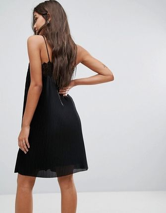 YAS ワンピース YASY.A.S plisse cami mini dress with lace trim in black(2)