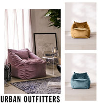 Urban Outfitters(アーバンアウトフィッターズ) 椅子・チェア Urban Outfitters  Small Cooper ベロア ビーズクッション 全3色