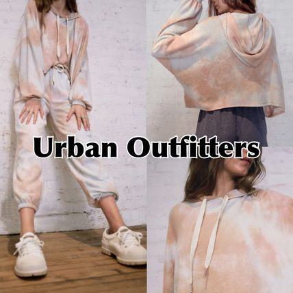 Urban Outfitters ルームウェア・パジャマ 大人気☆【Urban Outfitters】タイダイ柄 クロップド フーディ