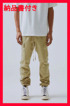 購入証明FOG Essentials FEAR OF GOD GARGO PANTS KHAKI