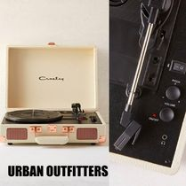 【Urban Outfitters】 Cream Cruiser Bluetooth Record Player