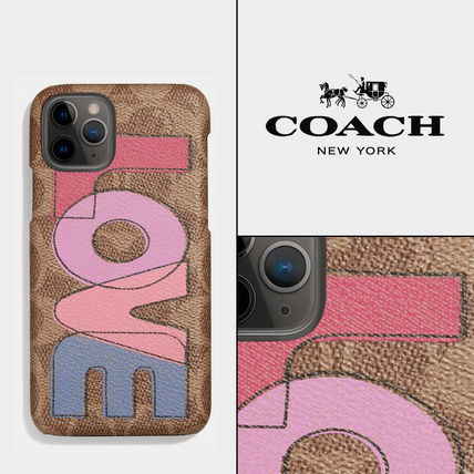 """【COACH】iPhone 11 Pro ケース with """"LOVE"""" プリント"""