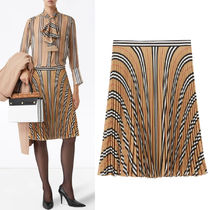 BB355 LOGO AND STRIPE PRINT CREPE PLEATED SKIRT