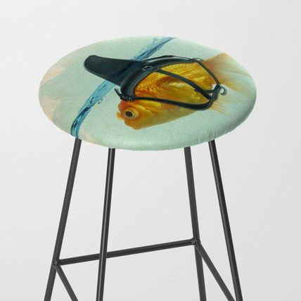 Society6 椅子・チェア 日本未入荷・送料無料 Brilliant DISGUISE - Goldfish with a Sh