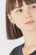 【Urban Outfitters 】GLAM STYLE!ミニスネークのピアス