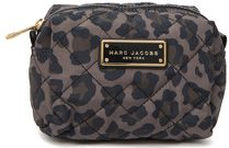 MARC JACOBS レオパード柄プリント ナイロンポーチ ラージ 新作!