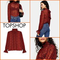 TOPSHOP【関税込み】RED PAISLEYシャーリングネックブラウスn317