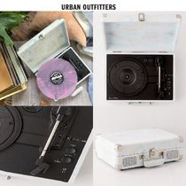 【Urban Outfitters】 ☆タイダイ柄☆ Bluetooth Record Player