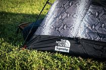 THE NORTH FACE(ザノースフェイス) テント・タープ Supreme The North Face Snakeskin Taped Seam 3 Tent 国内送込
